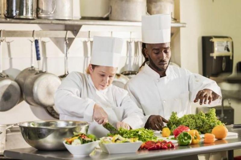 Focus sur le métier de Commis de cuisine